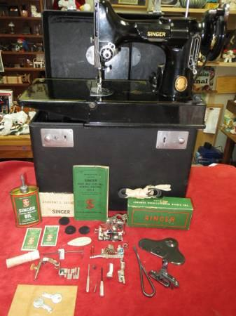 Vintage Singer Featherweight Sewing Machine Model 221-1