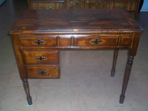 Vintage Solid Wood Sewing Machine Table For Sale In Moreno