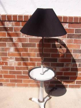 Vintage Stiffel Classical Style Floor Lamp.