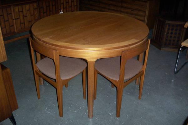 Vintage Teak ROUND DINING TABLE 4 Danish Modern Chairs