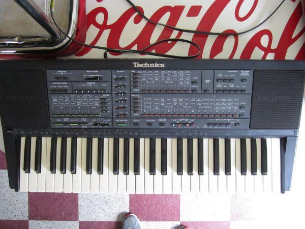 **** VINTAGE TECHNICS ELECTRONIC KEYBOARD SX-K500*** -