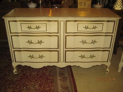 Vintage thomasville antique white french style dresser w nightstand for sale in snohomish for Thomasville white bedroom furniture