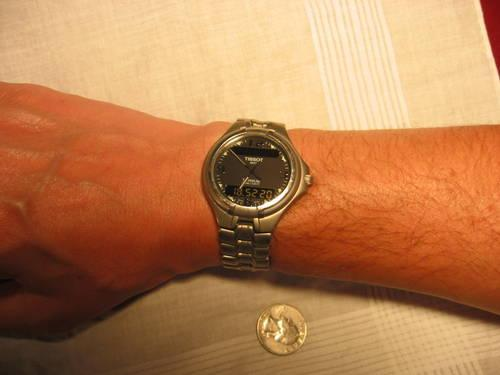 Vintage Tissot T690 Mens Titanium AnalogDigital watch -Works Perfect
