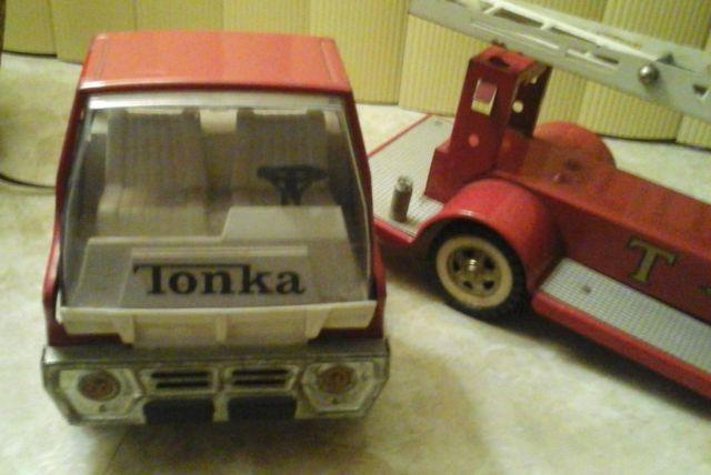 VINTAGE TONKA TFD AERIAL LADDER FIRE ENGINE TRUCK