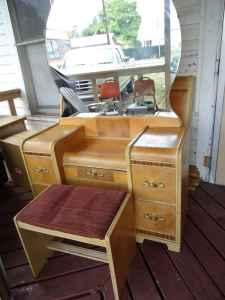 Vintage vanity and full bed yakima for sale in yakima for Furniture yakima wa