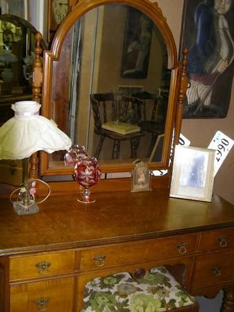 Vintage Vanity With Bench For Sale In Allentown Pennsylvania Classified
