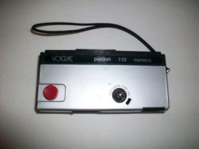 Vintage Vogue Pocket Grey  Black Plastic 110 Camera For Sale