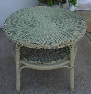 Vintage Wicker Table End Coffee   Country Cottage Chic
