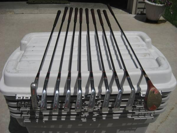 VINTAGE Wilson Sam Snead Blue Ridge Golf Clubs  good condition - $98