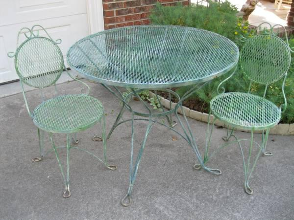 Vintage Wrought Iron Furniture For Sale In Chapel Hill North