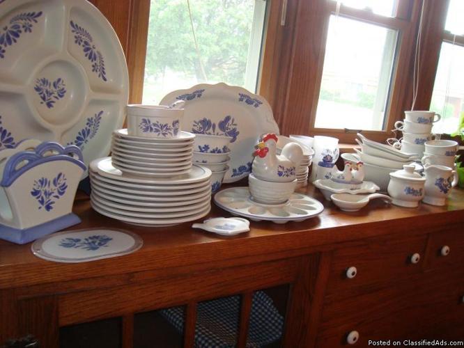 Vintage Yorktowne Pfaltzgraff dishes & Vintage Yorktowne Pfaltzgraff dishes for Sale in Grand Haven ...