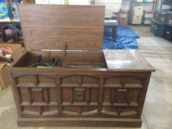 antique radio/record player Classifieds - Buy & Sell antique radio ...