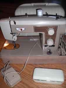 Vintage Zig Zag Sewing Machine Longmont For Sale In