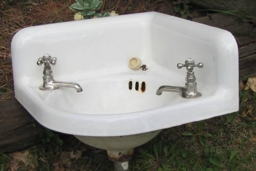 Vintage Cast Iron Bath Room Corner Sink With Vintage Faucets Sale For Sale In East