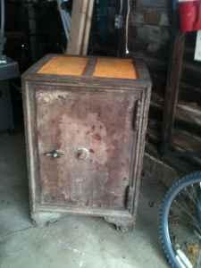 Old Floor Safes for Sale http://muskegon.americanlisted.com/misc-household/vintage-floor-safe-225-muskegon_21228431.html