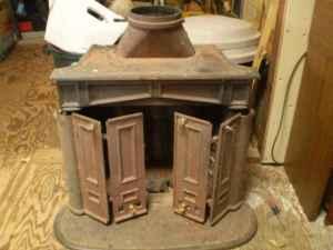 Vintage Wood Burning Franklin Stove Cast Iron - (El Cerrito) for Sale