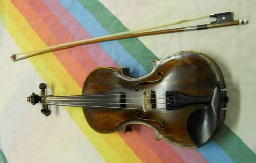 Violin Full Size - Very Old - Plays Very Good {
