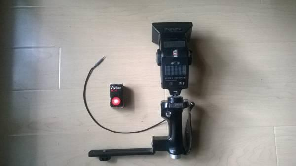 Vivitar auto thyristor 283 flash & Pistol Grip Flash Bracket mount - $50