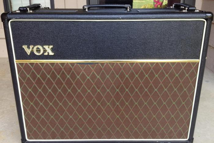 VOX AC30 - Tube Combo Amp - With Leather Cover & Chrome
