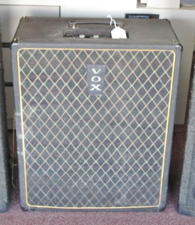 vox kensington v1241 bass guitar amp for sale in peoria illinois classified. Black Bedroom Furniture Sets. Home Design Ideas