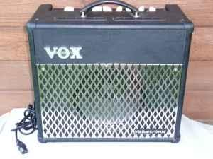 vox valvetronix vt30 30 watt combo guitar amplifier amp albany ny uptown for sale in albany. Black Bedroom Furniture Sets. Home Design Ideas