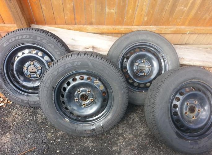 FS: VW OEM Steel wheels 15 inch with 2 snow tires