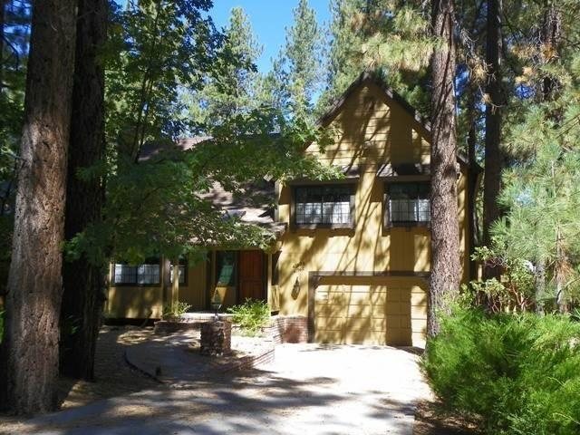Walking distance to snow summit ski resort and just a for Giant city lodge cabins