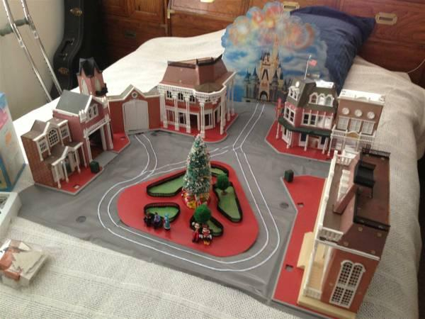 Walt Disney World Quot G Scale Quot Town Square Play Set 1988