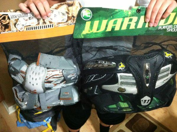 Warrior Players Club Morph Hitman Lacrosse Shoulder Pads- Size Larg - $75 Millard