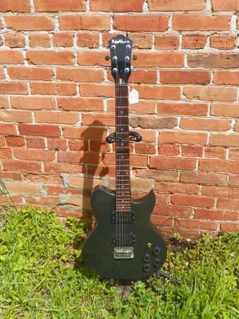 Washburn Idol W114 Electric Guitar - $74