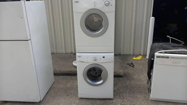 washer and dryer stackable - $300