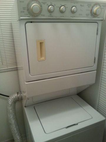 Washer And Dryer Stackable In Good Condition In Winter
