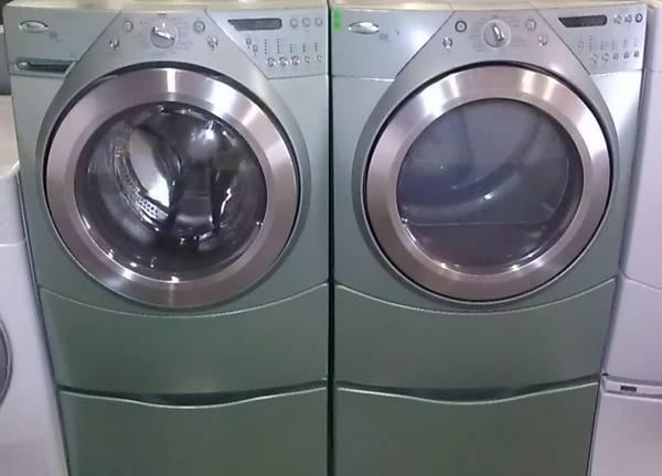 Washer And Dryer Whirlpool Duet Steam W Pedestals For