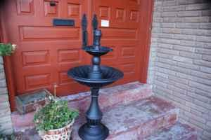 water fountains - $90 (den)