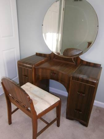 Waterfall Vanity With Round Mirror And Chair For Sale In