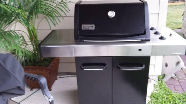 weber 4421001 spirit e 310 lp gas grill with cover for sale in bath. Black Bedroom Furniture Sets. Home Design Ideas