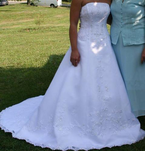 Wedding Dress Size 6 Plus Veil Tiaria Slip And