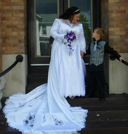 wedding gown - for Sale in Fresno, California Classified ...