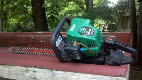 Weed Eater GHT220 22 Gas Powered Hedge Trimmer Saw