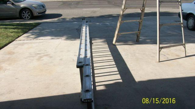 WERNER 28 FT. ALUMINUM EXTENDED LADDER TYPE 1 MODEL 4028