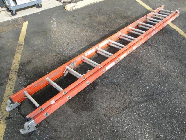 Heavy Duty Fiberglass : Werner d ft heavy duty fiberglass extension ladder