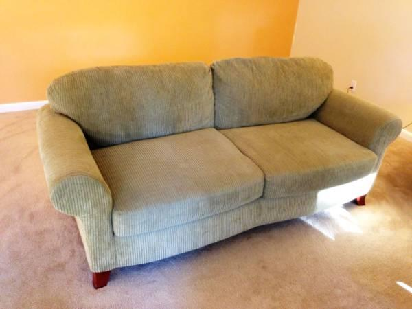 What A Deal Beautiful Gently Used Couch Sofa In Great