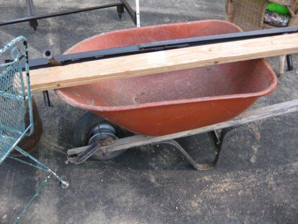 wheelbarrow-sold-heavy duty - $20 (Jackson)