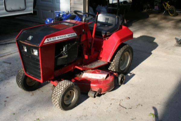 Wheelhorse B165 for parts - $200 (Flint Township)