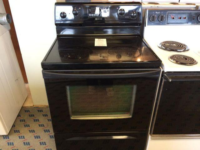 Whirlpool Accubake Black Smooth Top Range Stove Oven