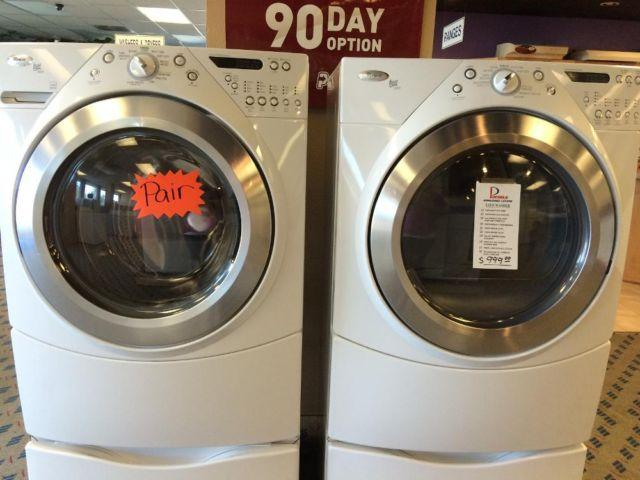 Whirlpool Duet Front Load Washer Amp Dryer On Pedestals