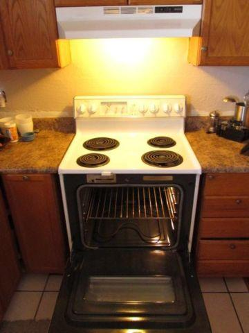 Whirlpool Electric Stove With Vent Light Above For Sale In