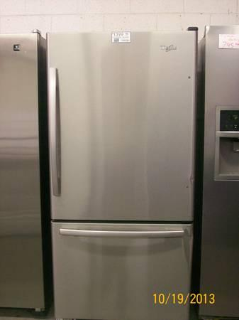 WHIRLPOOL STAINLESS STEEL TOP REFRIGERATOR BOTTOM