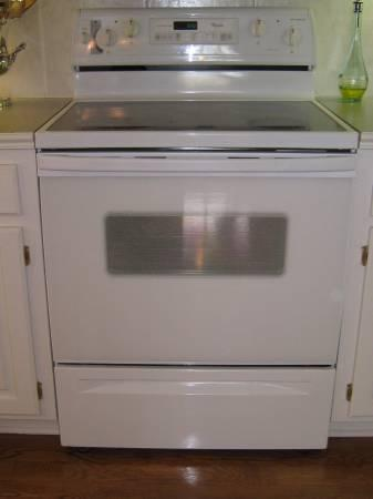 whirlpool white self cleaning electric range 250