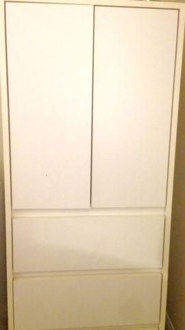 White Armoire For Sale In Excellent Condition For Sale In
